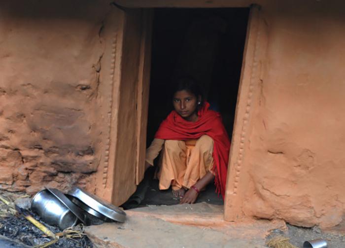 o chhaupadi 570 1 - 헛간에 격리돼 죽음을 맞이한 18세 소녀... 단지 '이것' 때문이라고?
