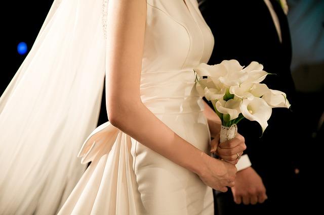 "wedding 2207211 640 - ""친구 결혼식에 100만원 냈는데, 제 결혼식에는 고작¨"""