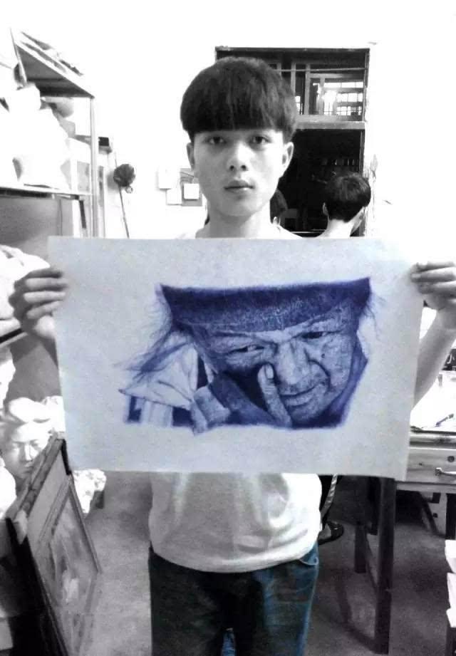 146684287410718513 - 只用1支筆!16歲男上課畫畫被老師「當眾羞辱」!專家看到作品驚呆「簡直藝術奇才」!