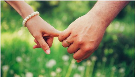 1708170303 - 장거리 연애 고수들이 말하는 '장수 연애 비법' 7가지