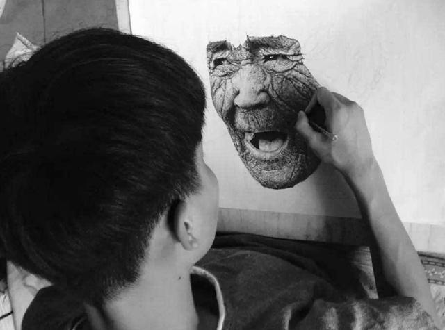 1dc20000f532eeac7dd8 - 只用1支筆!16歲男上課畫畫被老師「當眾羞辱」!專家看到作品驚呆「簡直藝術奇才」!