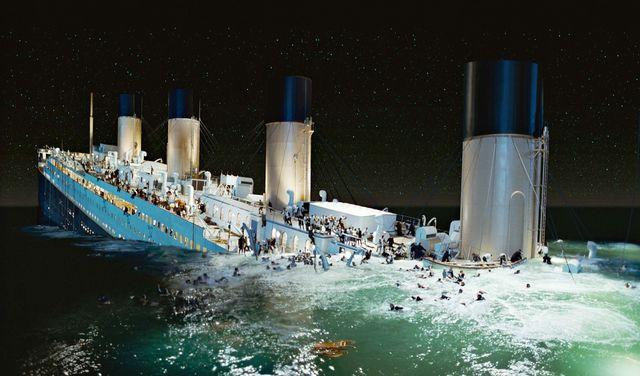 212305828 - 실제 타이타닉호 부선장이 공개한 '침몰 뒤 숨겨진 이야기'