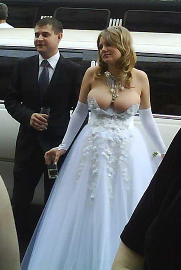 2weirdweddingdress - 無言薯條!19 件讓你看了「寧願不要結」的婚紗 #5 這畫面太美我不敢看