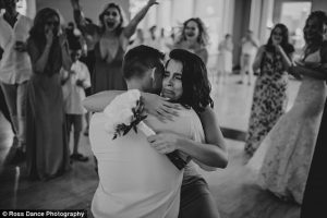 413d5a2500000578 4588658 image a 8 1497019073088 300x200 - Bride Is About To Throw Bouquet, But Suddenly, A Man Takes It And Goes Down On His Knees