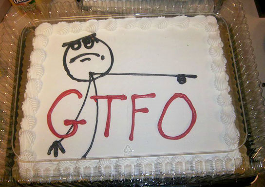 5 farewellcakes - 15 Hilarious Farewell Cakes That Go Too Far