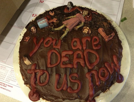 9 farewellcakes - 15 Hilarious Farewell Cakes That Go Too Far