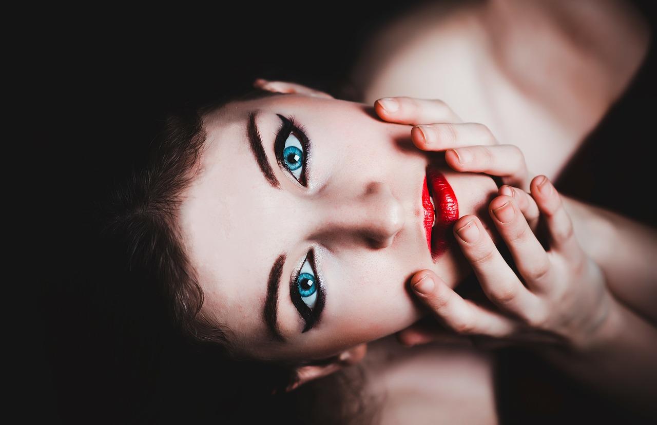 blue eyes 237438 1280 - 「女性専用風俗」がエロすぎてヤバい!女性向け風俗の実態は一体?