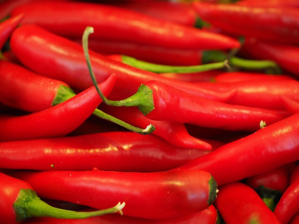 chili 499062 960 720 - 오늘부터 1일 1'이것' 섭취! '성욕' 자극 음식 7가지