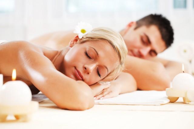 couple massage luxury spa e1324336065833 - 피로는 '내리고', 사랑은 '올리고'! 커플 마사지가 좋은 이유
