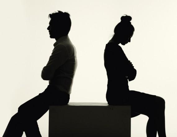 "divorce - ""헤어진 남자친구가 그동안의 데이트 비용을 돌려달라 합니다."""