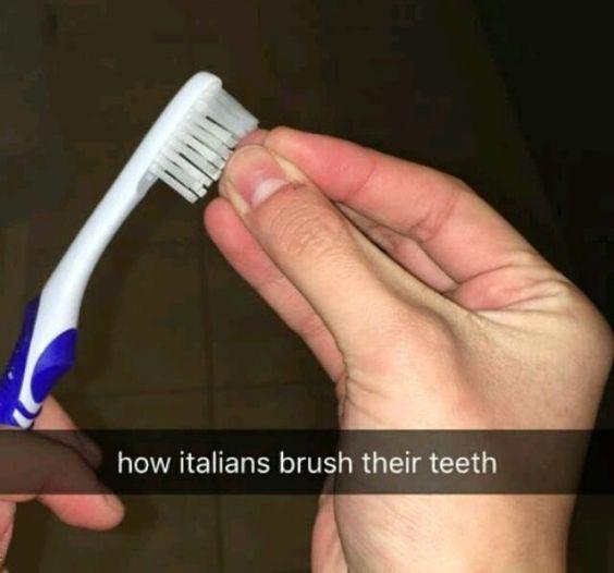 e183aca924ecda2e42d8f7709b448358 - 이탈리아 사람이 '손'이 없으면 말을 못하는 이유 (사진)