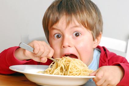 eating child - 돌아서면 배고프다? 밥을 먹어도 음식이 당기는 7가지 이유
