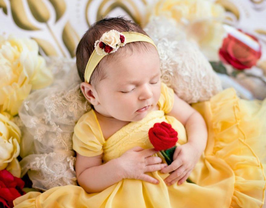 ebb2a8eb9dbc - 디즈니 공주님으로 변신한 6명의 사랑스러운 아기들 (사진)