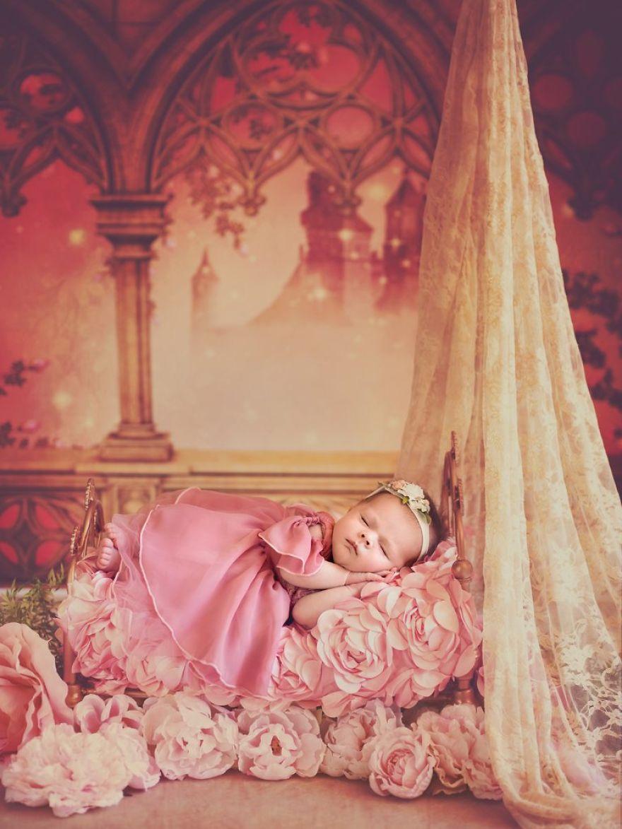 ec98a4eba19ceb9dbc2 - 디즈니 공주님으로 변신한 6명의 사랑스러운 아기들 (사진)