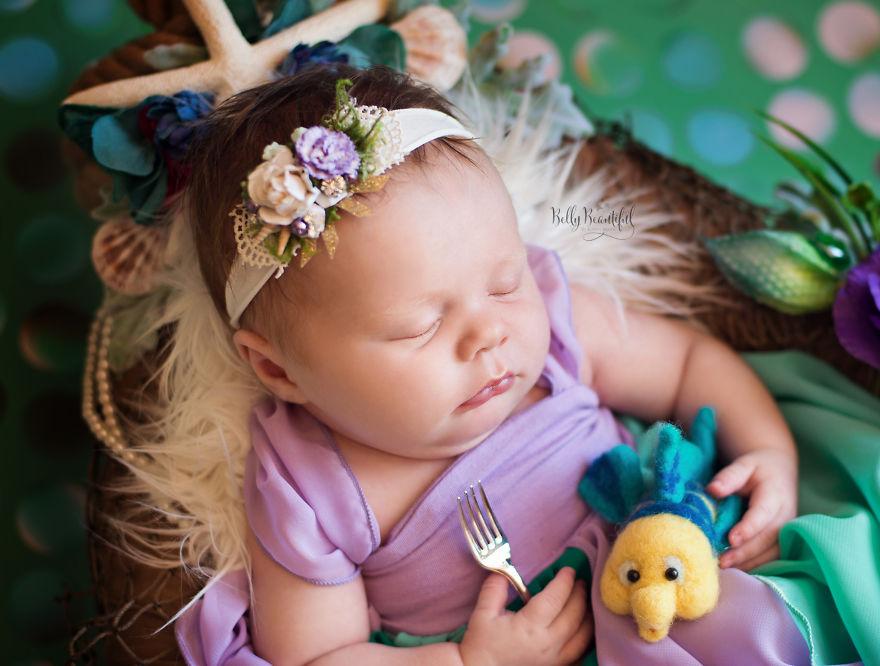 ec9db8ec96b42 - 디즈니 공주님으로 변신한 6명의 사랑스러운 아기들 (사진)