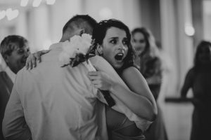 jessjesshuffpost 2 1024x682 300x200 - Bride Is About To Throw Bouquet, But Suddenly, A Man Takes It And Goes Down On His Knees