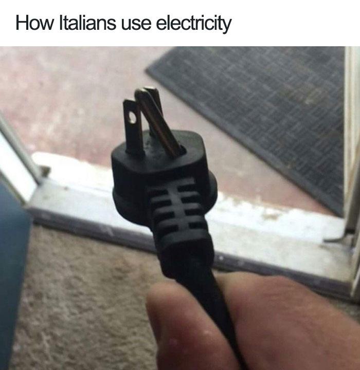 jokes about italians 1 59770187cc2a5  700 - 이탈리아 사람이 '손'이 없으면 말을 못하는 이유 (사진)