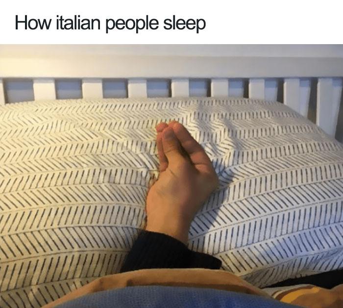 jokes about italians 2 5976f6b97934f  700 - 이탈리아 사람이 '손'이 없으면 말을 못하는 이유 (사진)