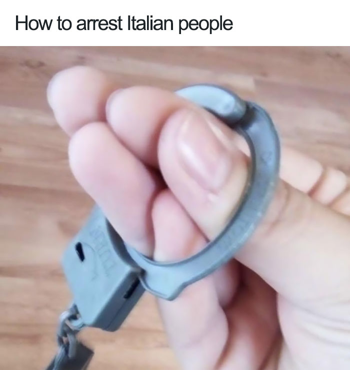 jokes about italians 5976fb7974eb3  700 - 이탈리아 사람이 '손'이 없으면 말을 못하는 이유 (사진)
