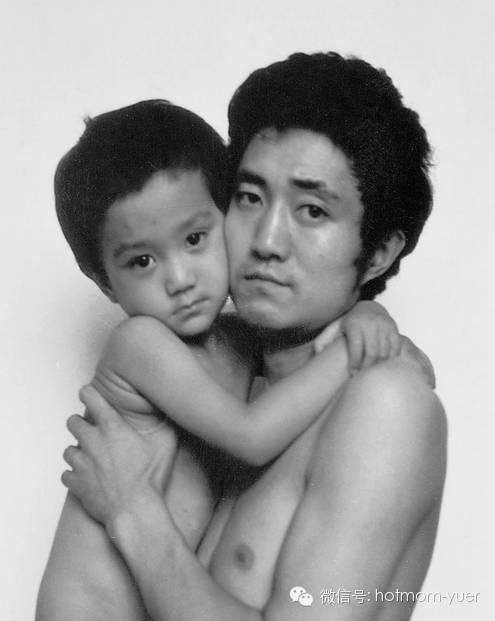 ntd father and son 1989 - 무려 '27년'간 매년 아들과 같은 사진을 찍은 아버지 (사진)