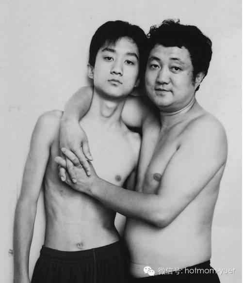 ntd father and son 2000 - 무려 '27년'간 매년 아들과 같은 사진을 찍은 아버지 (사진)