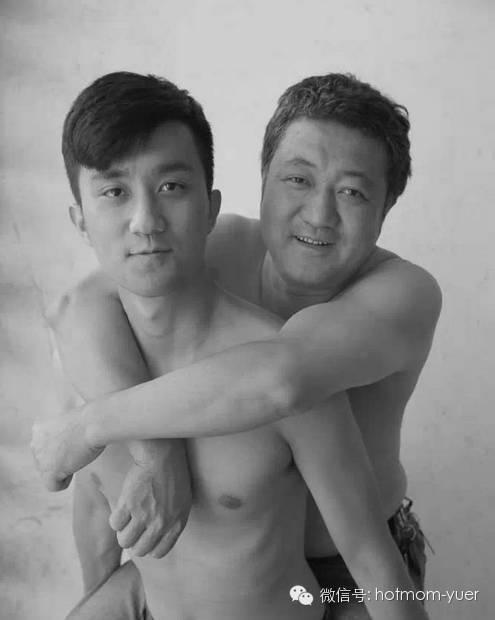 ntd father and son 2011 - 무려 '27년'간 매년 아들과 같은 사진을 찍은 아버지 (사진)