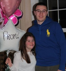 prom 281x300 - She Thinks He Forgot Promise They Made As Kids. Years Later, He Suddenly Grabs Her Hands