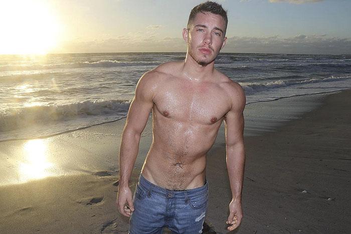 transgender man before and after jamie wilson 597ed233c71f5  700 - 친구와 가족을 잃은 남자... SNS에 자신의 놀라운 '과거' 사진을 올렸다