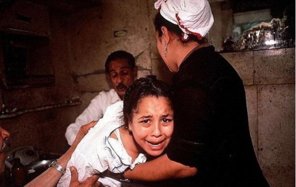 1709110403 - '종교가 다르다'고 갑자기 길에서 납치돼 '할례'까지 당한 14세 소녀