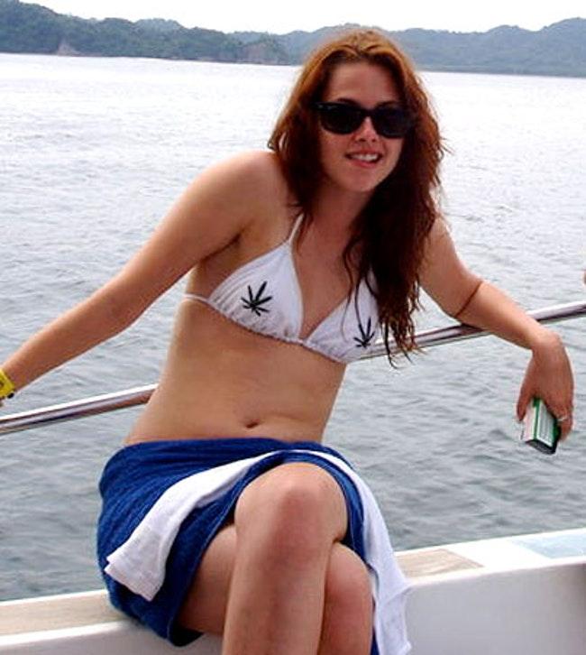 59cc42900f8bf decouvre les 15 photos les plus sexys de kristen stewart  - Découvre les 15 photos les plus sexys de Kristen Stewart