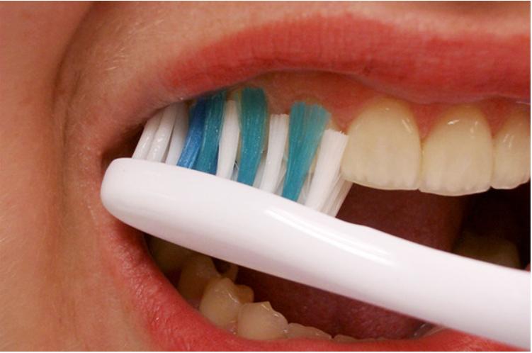 did3 - '양치질' 할 때 나도 모르게 '치아를 상하게' 만드는 습관 10가지