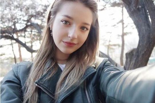 e887aae68b8d4 - 仙女下凡!「俄國自然美女神」在南韓爆紅,超透亮水光肌讓人看了好羨慕!(影+圖)