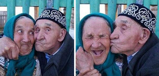 old couples having fun 33  605 - 서로를 향한 애정이 느껴지는 사랑스러운 '노부부'의 일상들