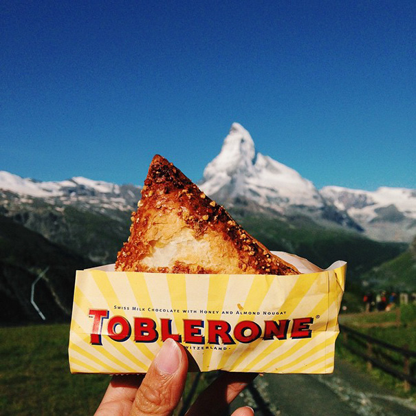 food around the world sweets travel girl eat world 23 57230271d6e3b 605 - 전세계를 여행하며 다양한 '길거리 음식'을 소개하는 소녀 (사진 40장)