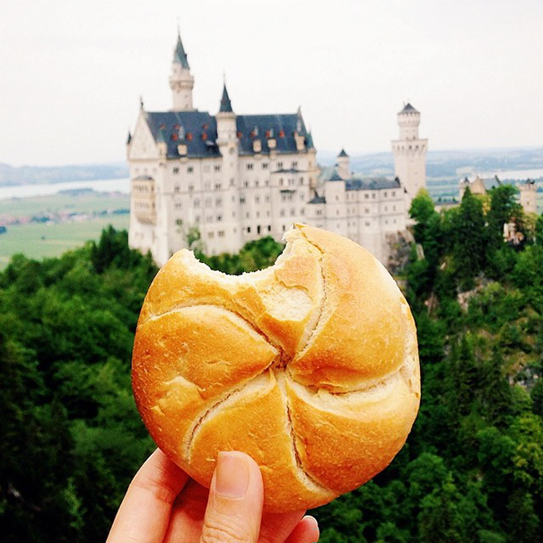 food around the world sweets travel girl eat world 3 57230240e73ab 605 - 전세계를 여행하며 다양한 '길거리 음식'을 소개하는 소녀 (사진 40장)