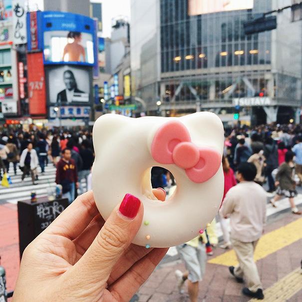 food around the world sweets travel girl eat world 53 57230211df3b4 605 - 전세계를 여행하며 다양한 '길거리 음식'을 소개하는 소녀 (사진 40장)
