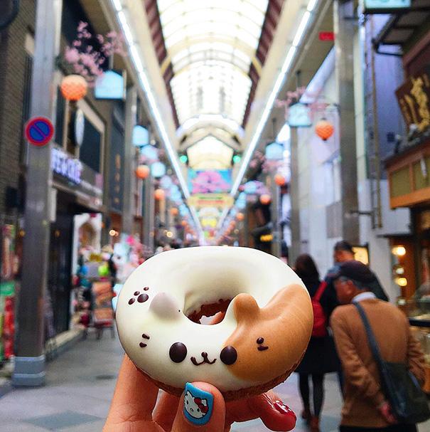food around the world sweets travel girl eat world 63 57230230be3c3 605 - 전세계를 여행하며 다양한 '길거리 음식'을 소개하는 소녀 (사진 40장)