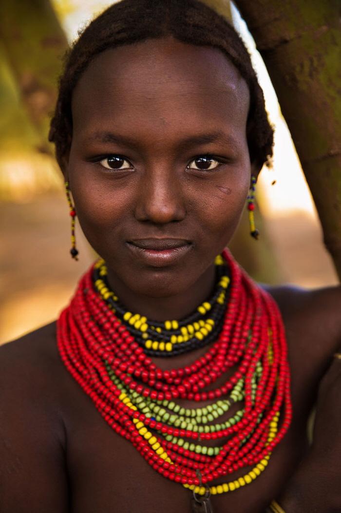 19 14 - 60개국을 여행하며 렌즈에 담은 각국의 아름다운 여성들 (사진 37장)