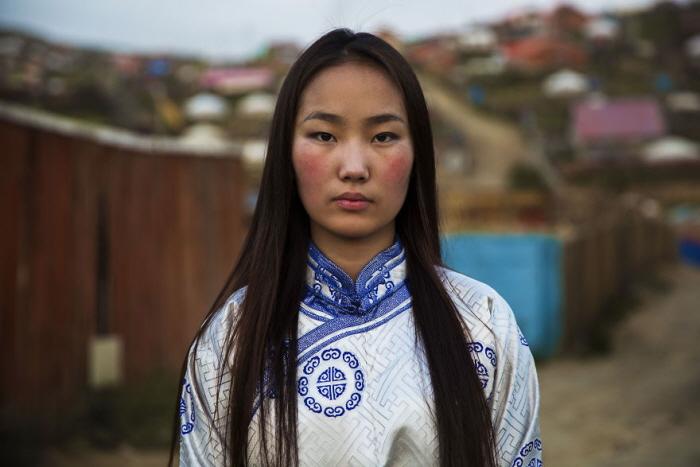 23 9 - 60개국을 여행하며 렌즈에 담은 각국의 아름다운 여성들 (사진 37장)