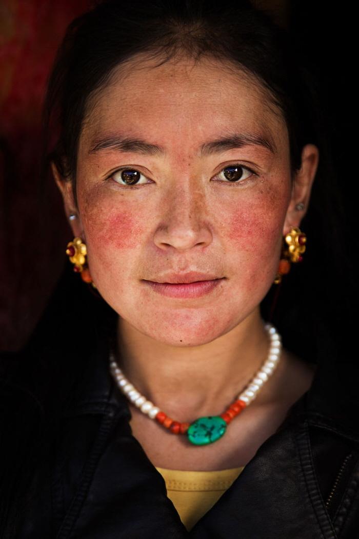 25 8 - 60개국을 여행하며 렌즈에 담은 각국의 아름다운 여성들 (사진 37장)