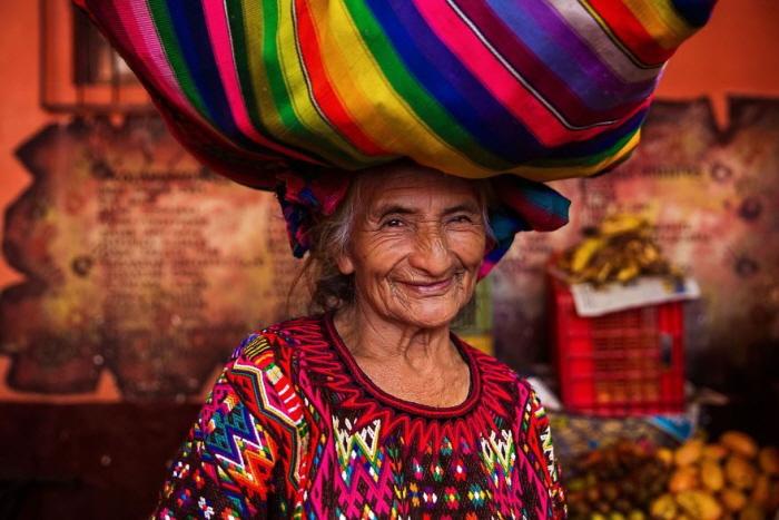 29 4 - 60개국을 여행하며 렌즈에 담은 각국의 아름다운 여성들 (사진 37장)