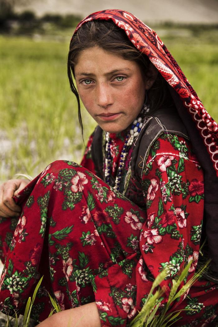 6 174 - 60개국을 여행하며 렌즈에 담은 각국의 아름다운 여성들 (사진 37장)