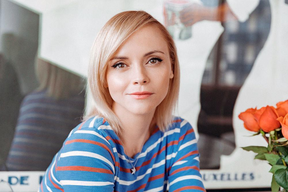 christina ricci 13 - ¡Mira cómo se ve actualmente Merlina, la hija de los populares Locos Addams!