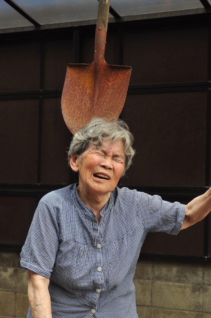 funny self portraits kimiko nishimoto 89 year old 3 5a0a9e00042a8  700 - 89세 할머니가 사진을 배운 후 '직접' 찍은 유쾌한 사진들(+13)