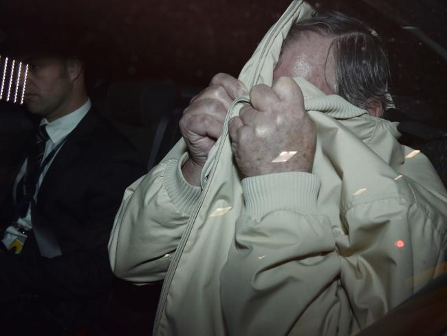 gregory keith davies - 33년간 도망 다닌 아동 성폭행범에게 '끓는 물'로 복수한 수감자들