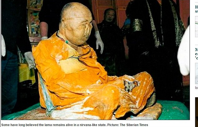img 5a0da3958895a - 【観覧注意】不死を証明するため、30年後に遺体を掘り起こした結果・・・