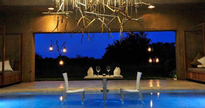 luxury-safari-south-africa-sabi-sabi-earth-lodge-pool