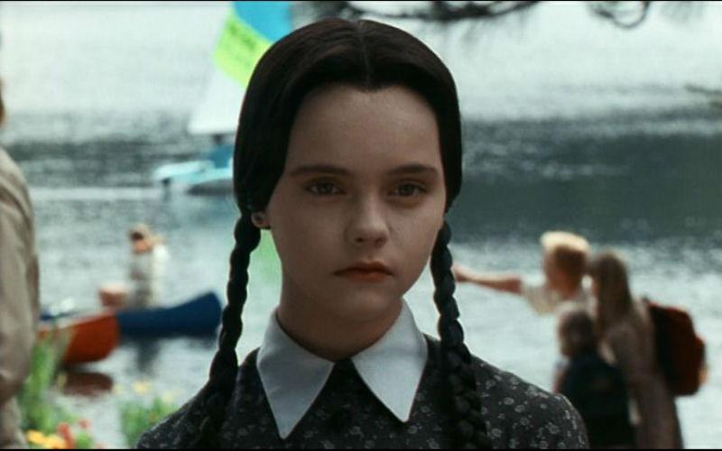 merlina addams - ¡Mira cómo se ve actualmente Merlina, la hija de los populares Locos Addams!