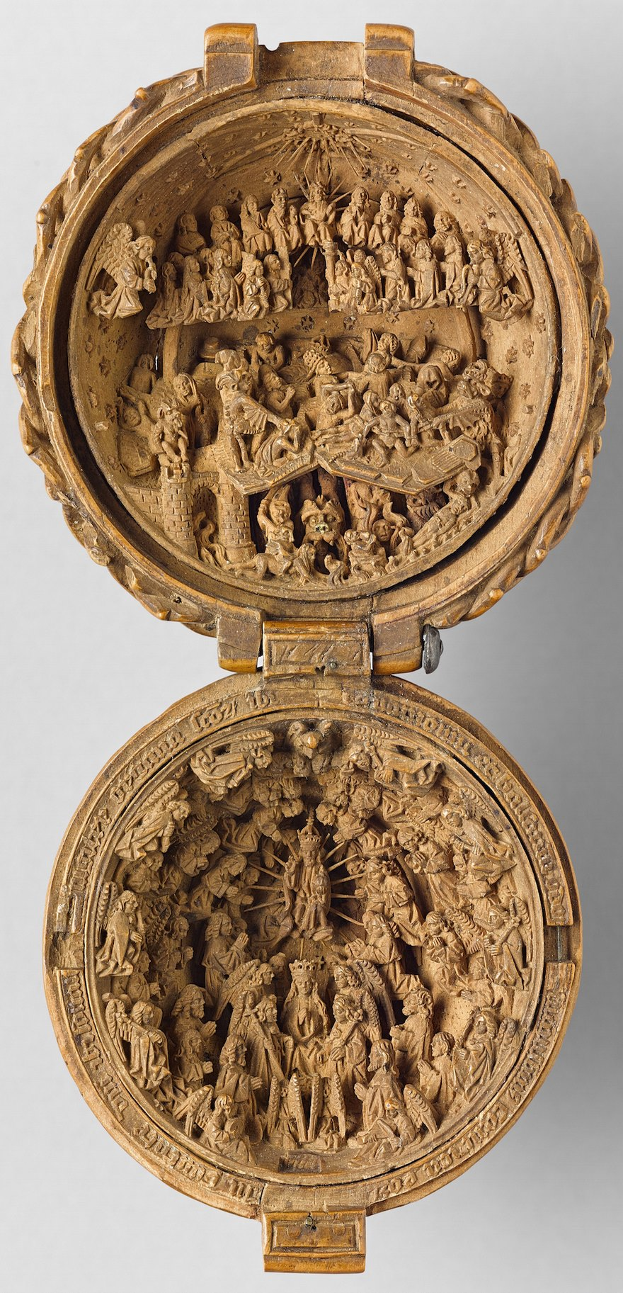 miniature boxwood carvings 16th century 2 - 16th Century Boxwood Carvings Are So Tiny That Researchers Need To Use CT-scanning For Their Research