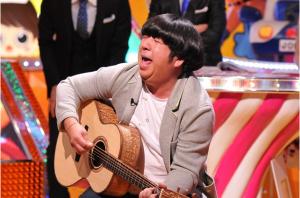 2 3 1 300x198 - キモいだけじゃない!歌えて踊れる日村勇紀!